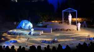 Είδα:«Τα αγάλματα περιμένουν» του Θεσσαλικού Θεάτρου