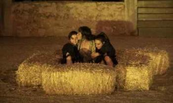 Tρεις παραστάσεις από τη Μικρή Επίδαυρο στο Θέατρο Πέτρας