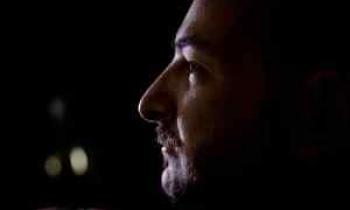 Ο Κωνσταντίνος Χατζής αλλάζει κόμη για τον Ντοστογιέφσκι (συνέντευξη)