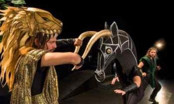 «Οι άθλοι του Ηρακλή»: Είδαμε την παράσταση στο Christmas Theater