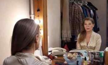 Η Αιμιλία Υψηλάντη μας ανοίγει το καμαρίνι της