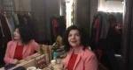 Η  Κατερίνα Γκατζόγια Μας Ανοίγει Το Καμαρίνι Της