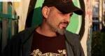 Ο Γιώργος Παλούμπης σκηνοθετεί τα «Αξύριστα Πηγούνια»